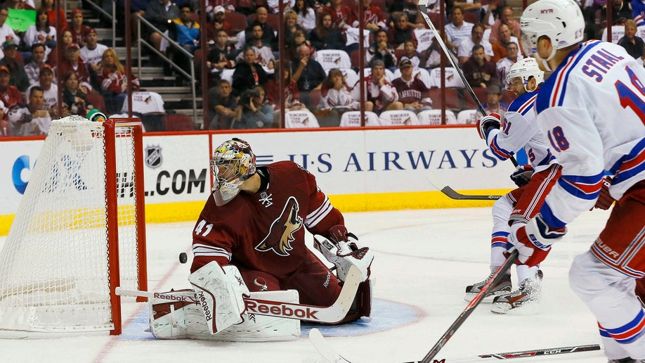 4be21d6a-Rangers Coyotes Hockey