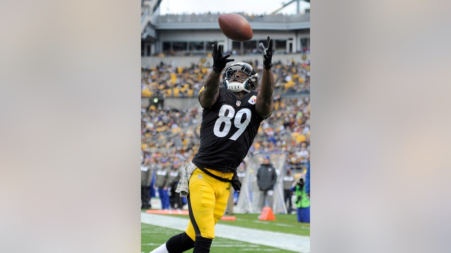 4b818448-Bills Steelers Football
