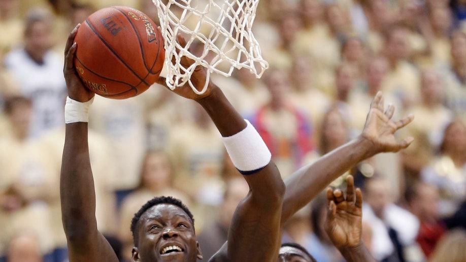 8e89edca-Cincinnati Pittsburgh Basketball