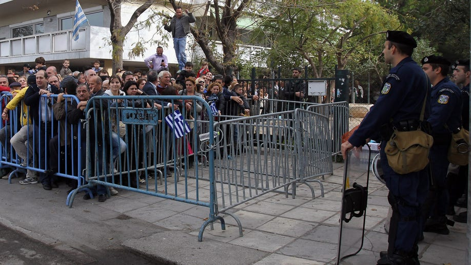 4bb4f8a9-Greece Parade