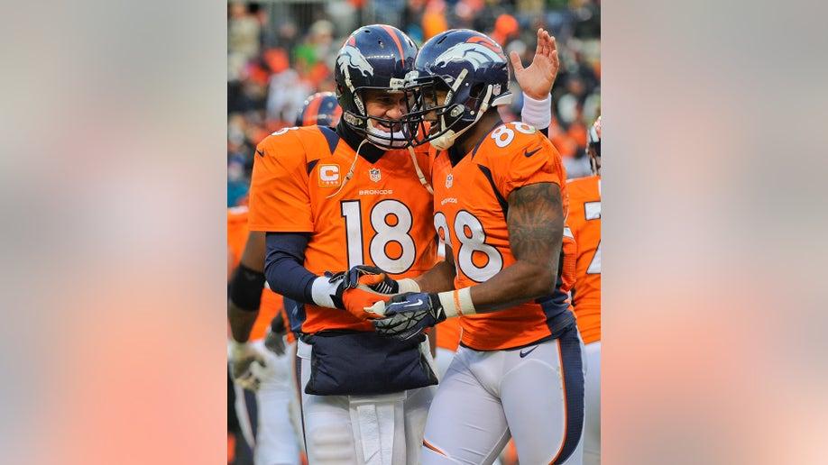 33f9bd1f-Chiefs Broncos Football