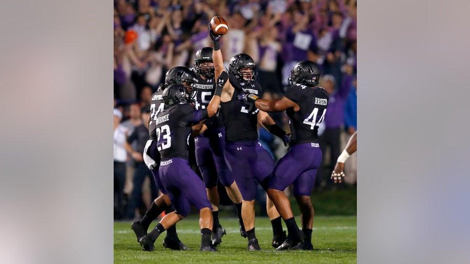 3a840c83-Ohio St Northwestern Football
