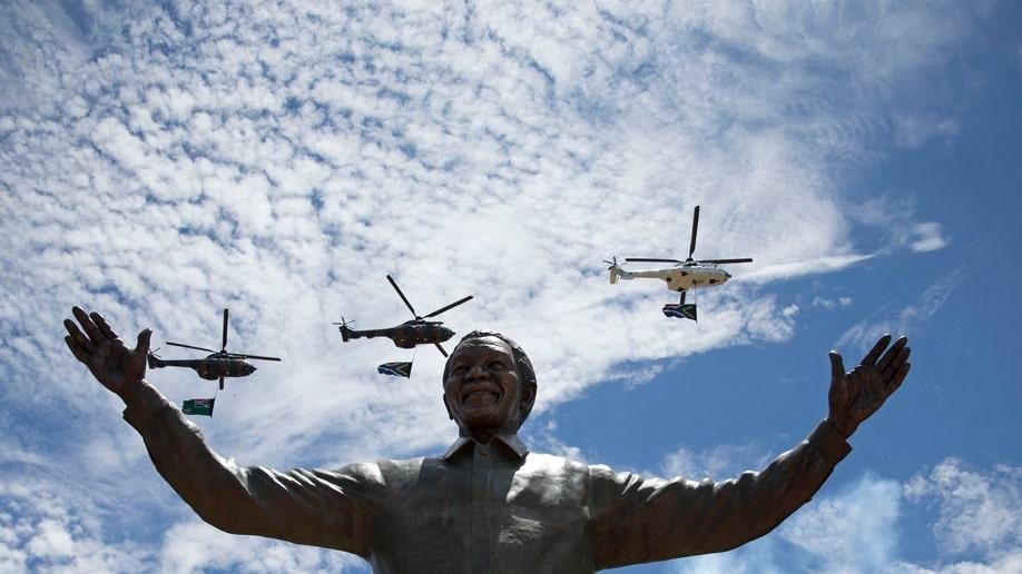 ae3e6785-South Africa Mandela Mourning