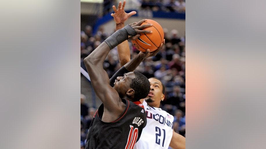 fceebb1b-Louisville UConn Basketball