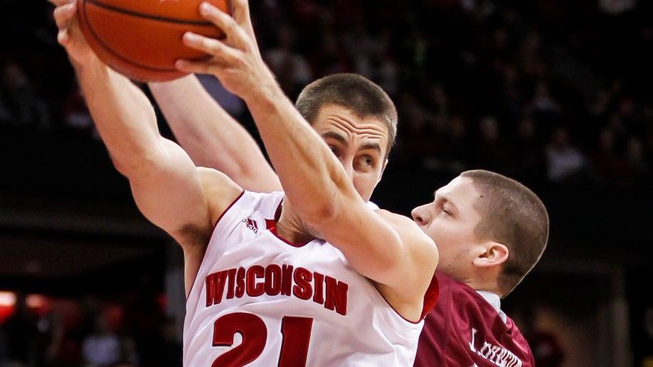 36f070e8-E Kentucky Wisconsin Basketball