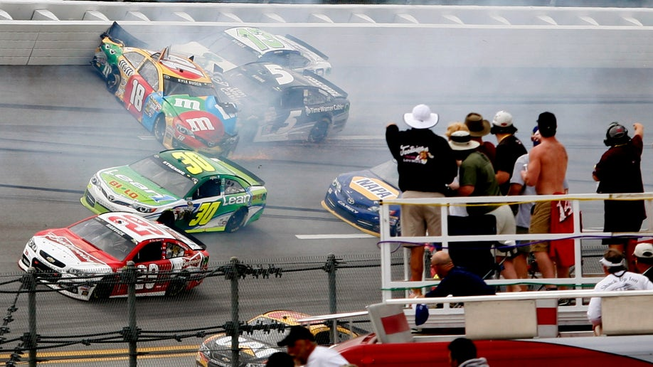 715122b1-APTOPIX NASCAR Talladega Auto Racing