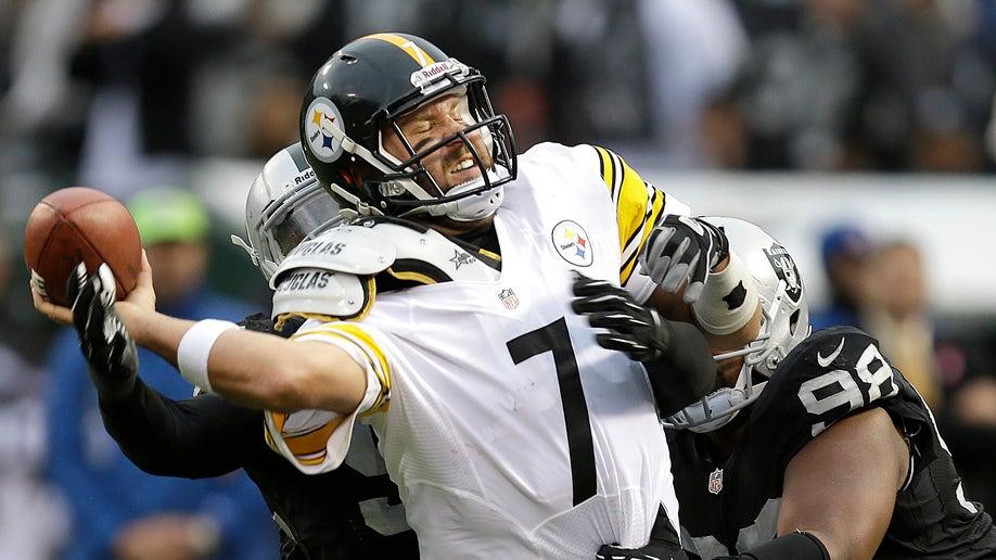 APTOPIX Steelers Raiders Football