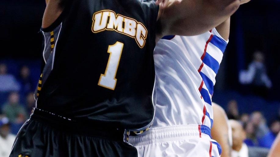 5bc4fc0f-UMBC DePaul Basketball