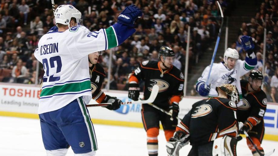 73c849ee-Canucks Ducks Hockey