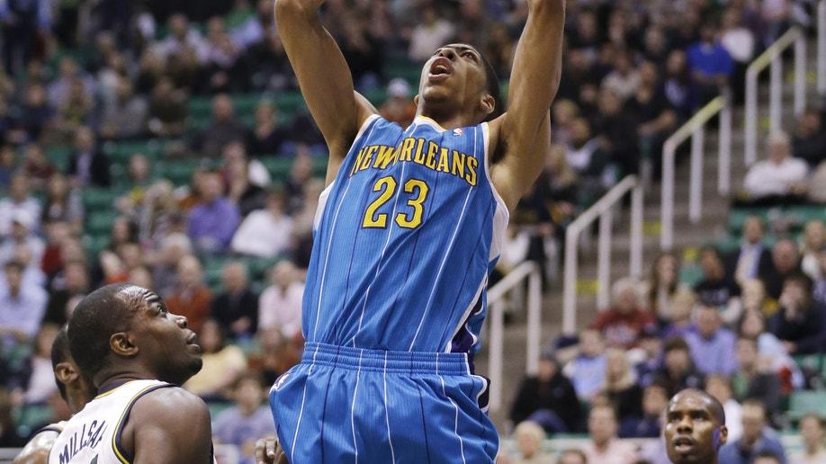 bea7d69c-Hornets Jazz Basketball