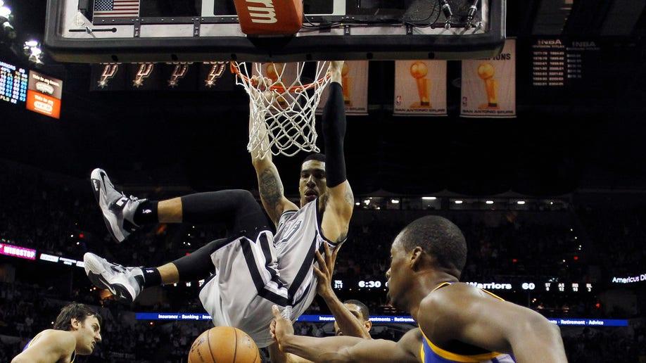 5ed9f31e-Warriors Spurs Basketball