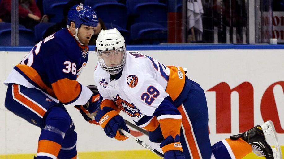 5ec6ce27-Islanders Scrimmage Hockey