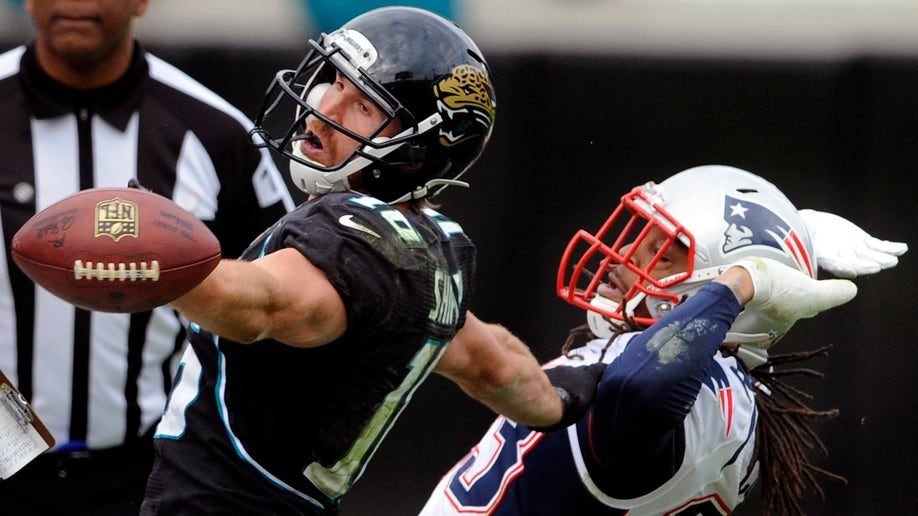 2621b7f4-Patriots Jaguars Football