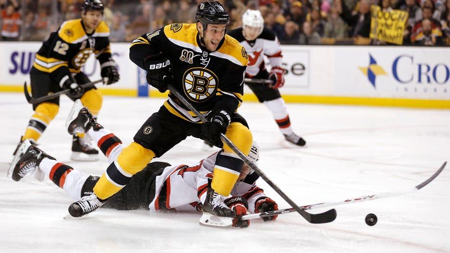 3bcaebba-Devils Bruins Hockey