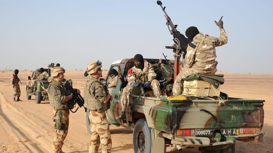 55707ced-Mali Fighting