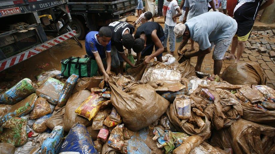 12dbe8d9-Brazil Floods
