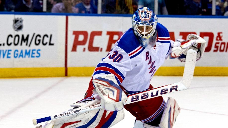 c8cd41ec-Rangers Islanders Hockey