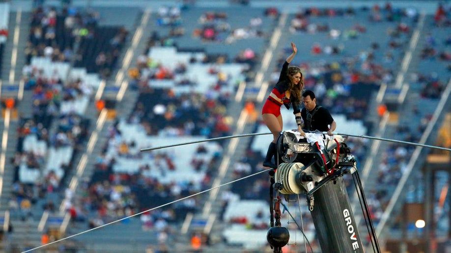 83b0235b-NASCAR Charlotte Auto Racing