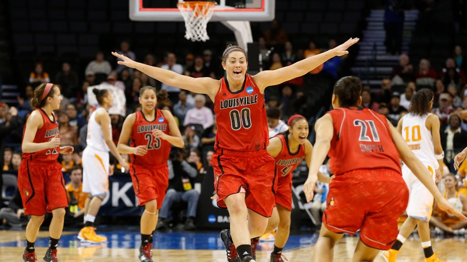 07b44b7f-NCAA Louisville Tennessee Basketball