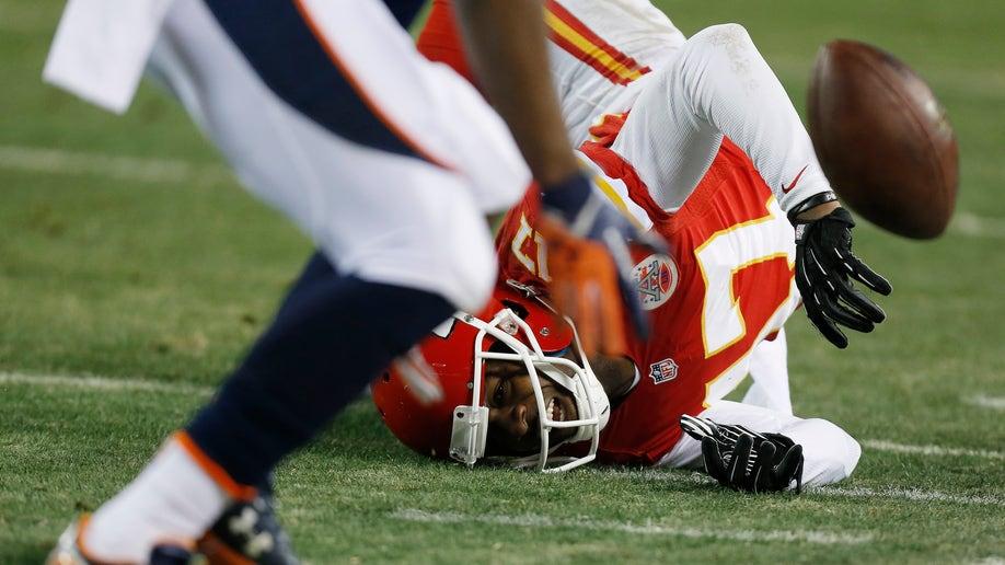 1e68d0d0-Broncos Chiefs Football