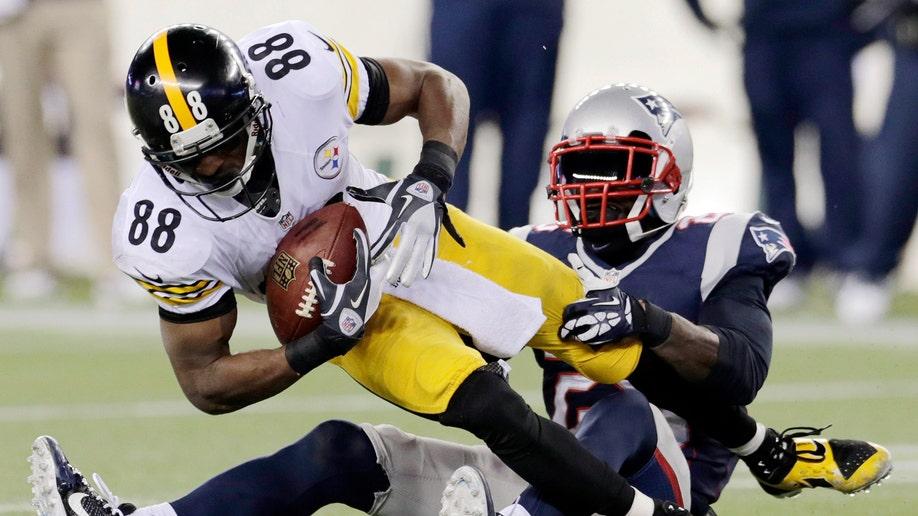 20156018-Steelers Patriots Football
