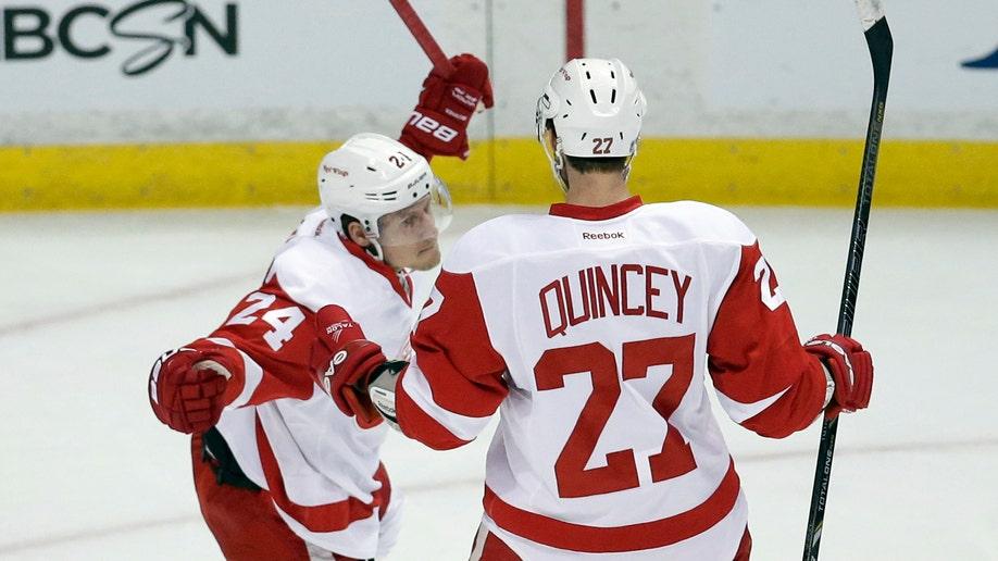 4b58b643-Red Wings Ducks Hockey