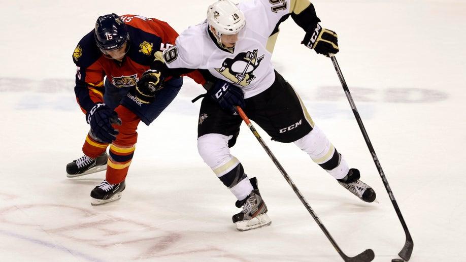 69829eea-Penguins Panthers Hockey