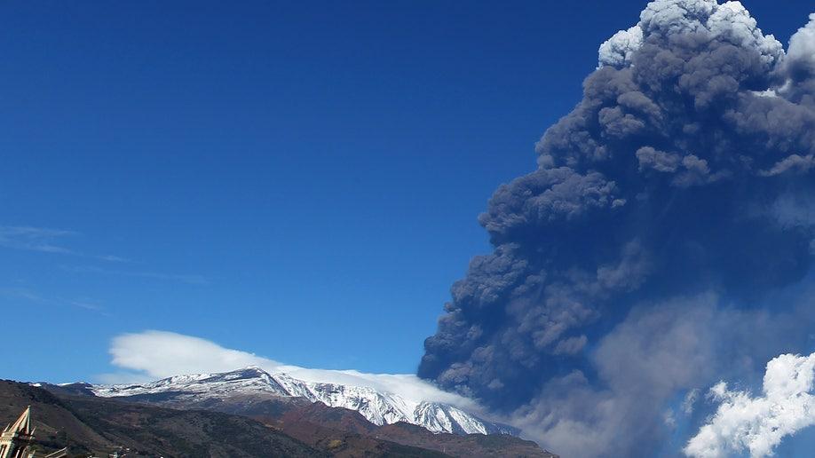 d7aaeecb-Italy Etna Volcano Eruption