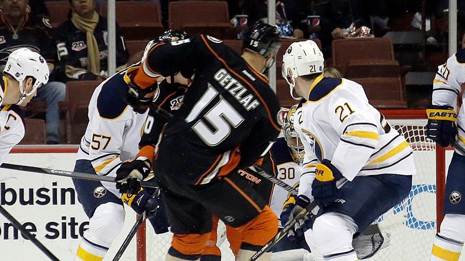 1e766d8d-Sabres Ducks Hockey