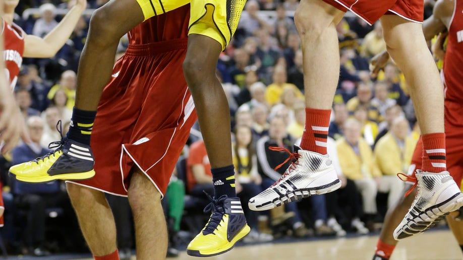 6cc62916-Wisconsin Michigan Basketball