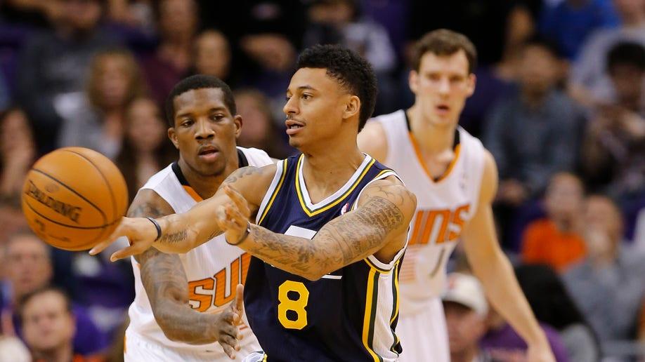 375e2553-Jazz Suns Basketball