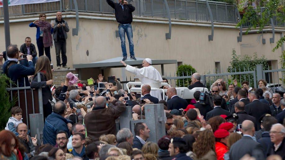 3cbbeafb-Italy Pope