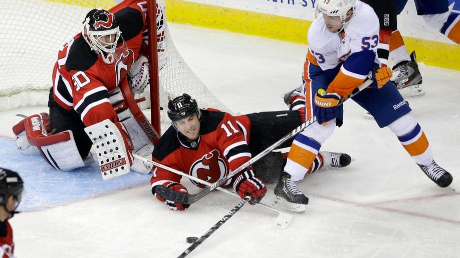 8f3c4c9f-Islanders Devils Hockey