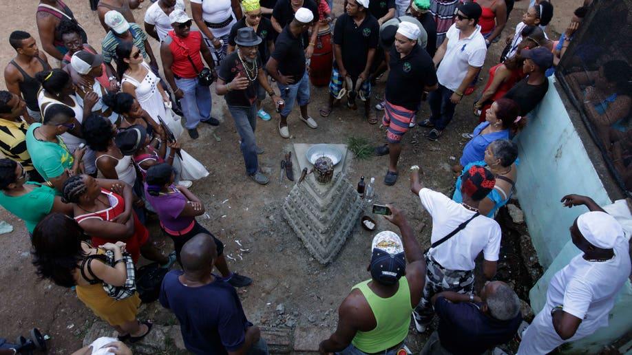 601d23e2-Cuba Santeria New Year