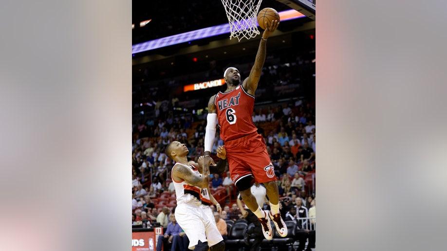 9d56383c-APTOPIX Trail Blazers Heat Basketball