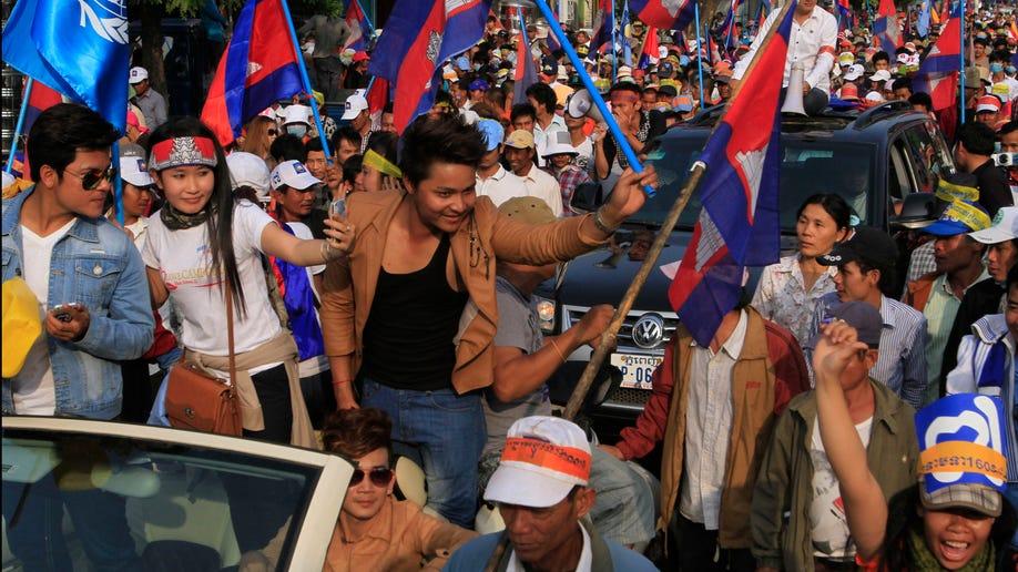 1b6c2190-Cambodia Politics