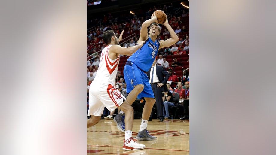 407846a8-Mavericks Rockets Basketball