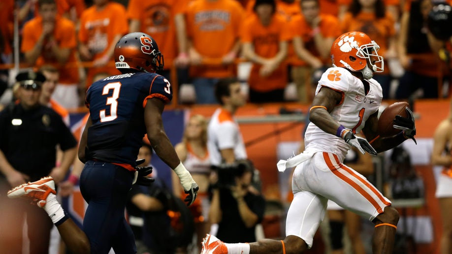 ef9c2728-Clemson Syracuse Football