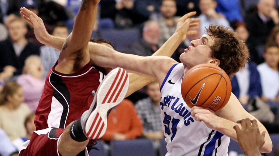 Massachusetts Saint Louis Basketball