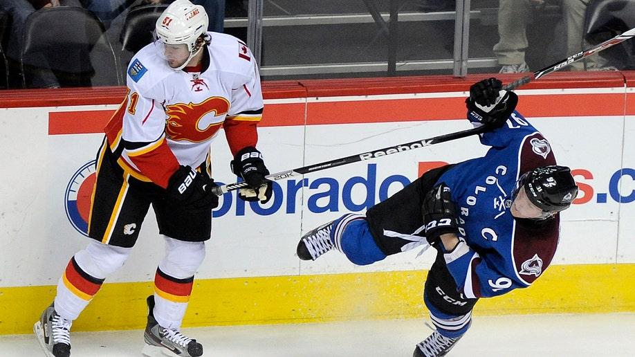 14b66f30-Flames Avalanche Hockey