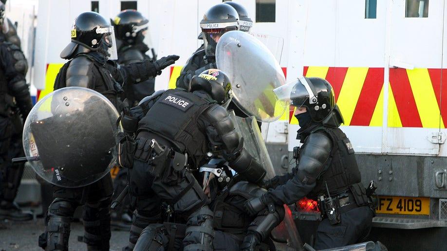 181e4a78-Brital Ulster Protest