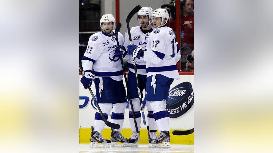 da6b8b80-Lightning Hurricanes Hockey