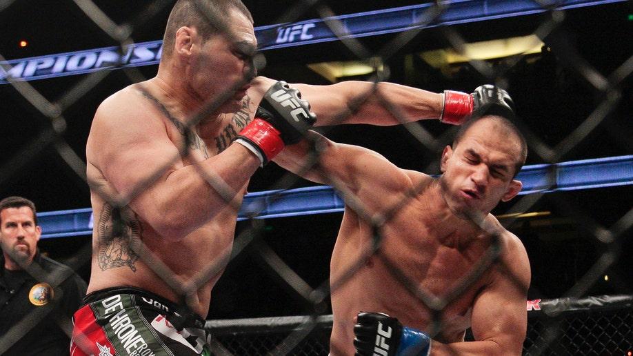 669dbf56-UFC Velasquez Dos Santos Mixed Martial Arts