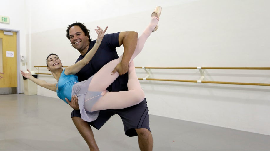 People-Mike Piazza-Ballet