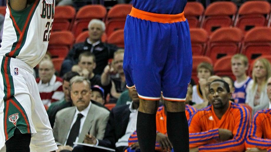 66d063ca-Knicks Bucks Basketball