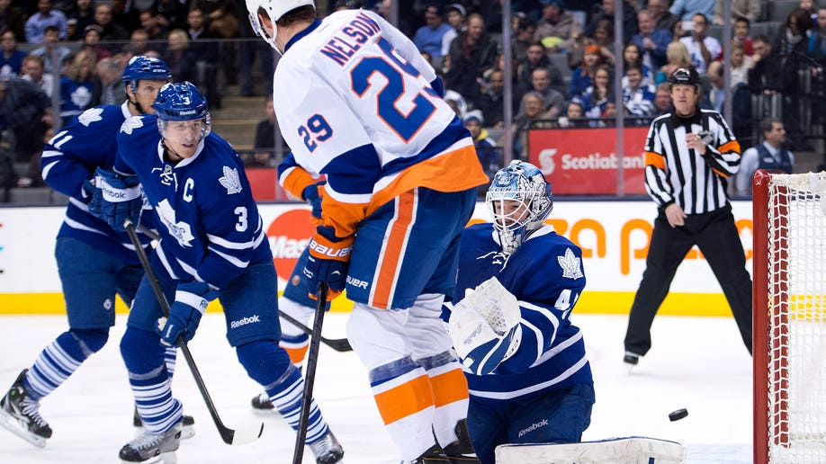 90e8740e-Islanders Maple Leafs Hockey