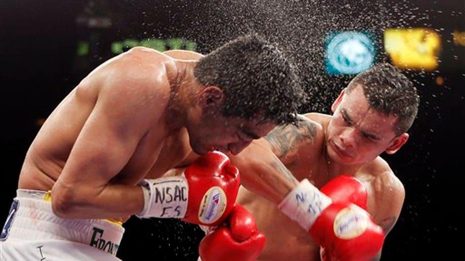 6745de63-Morales Maidana Boxing