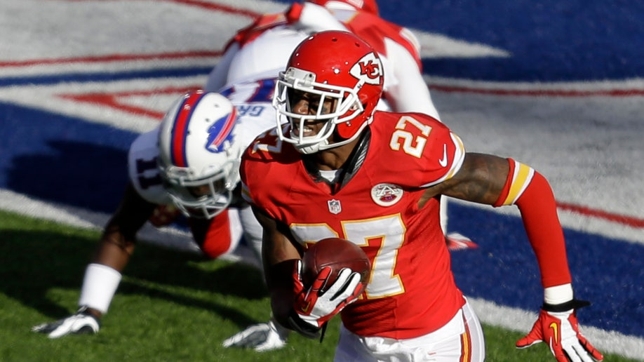 6a4874d7-Chiefs Bills Football
