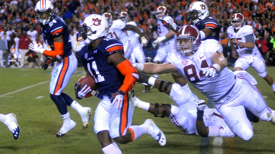 78c82ca9-Alabama Auburn Football