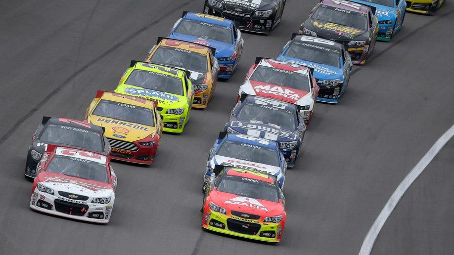 5f781aba-NASCAR Kansas Auto Racing